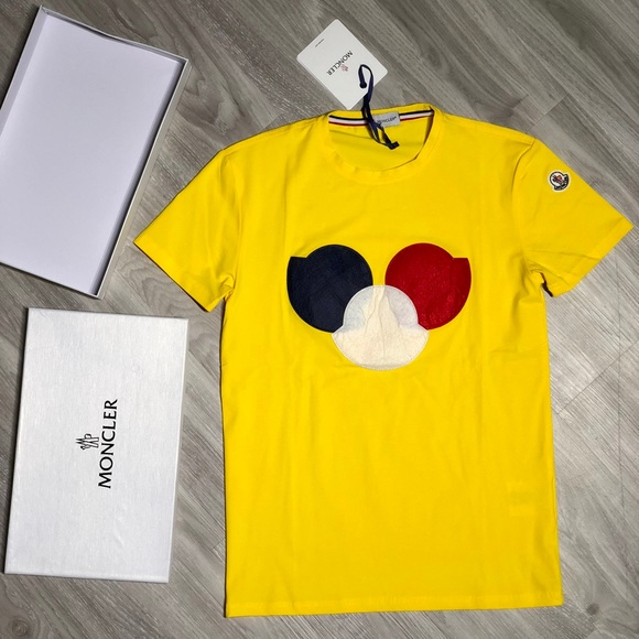 Men's Moncler logo patch T-shirt